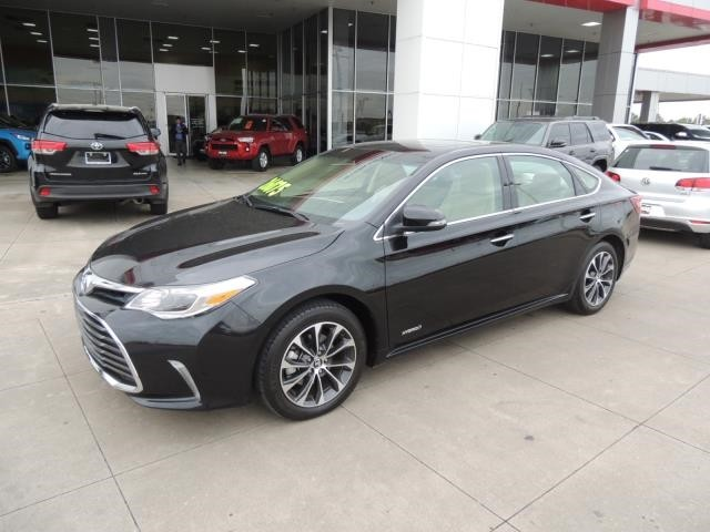 Pre Owned 2016 Toyota Avalon Hybrid Limited
