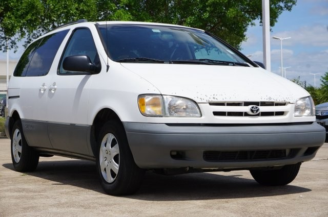 8fc168235347a4 Pre-Owned 2000 Toyota Sienna LE Minivan Van in Houston  YU270748 ...
