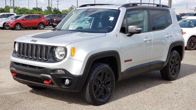 Pre Owned 2018 Jeep Renegade Trailhawk